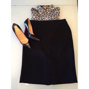 Exquisite Black Ann Taylor Skirt s14 Petite